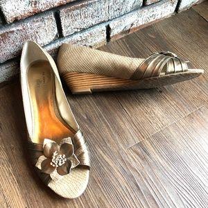 AK ANNE KLEIN FLEX Open Toe Wedge Heels Shoes  9.5